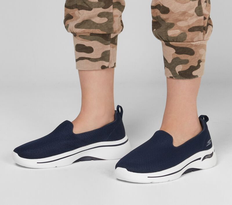 Skechers GOwalk Arch Fit - Grateful, NAVY / WHITE, largeimage number 0